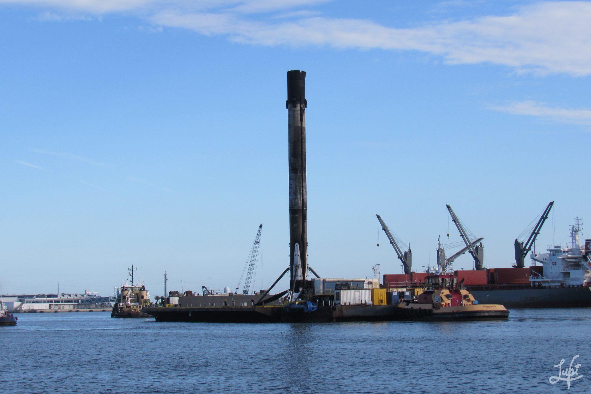 Falcon 9 entering port