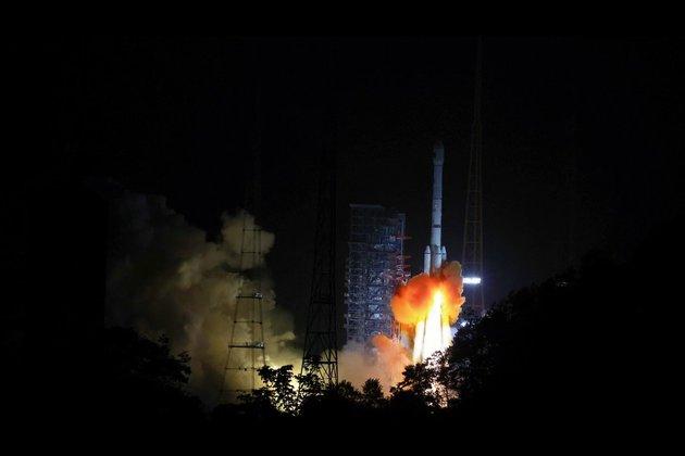 Launch of the Zhongxing-9B (Credit: Xinhua)