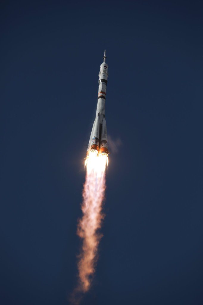 Soyuz MS-19 mission, Soyuz 2.1a is lifting off